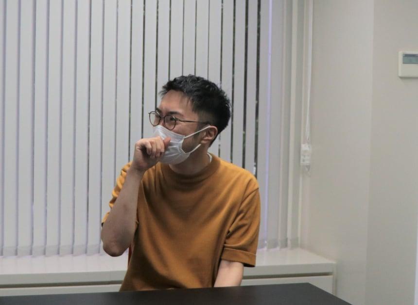 入社当初について語る島崎