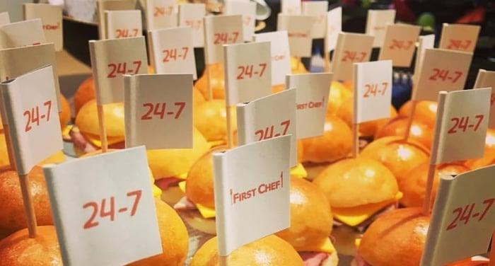 24-7_mini_burger.jpg